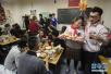 前10个月河南餐饮消费回暖 大众消费成主流