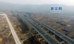 济青高铁全线高速段轨道铺设提前完成全线铺通