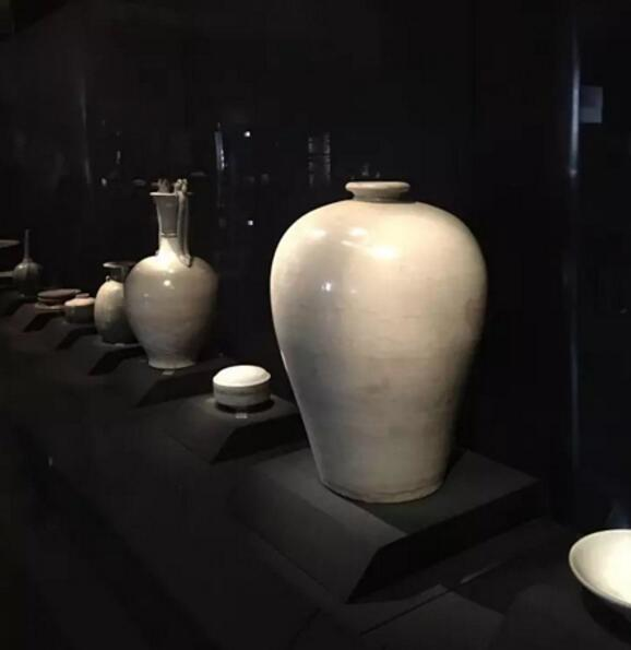 唐-白釉梅瓶-故宫博物院藏