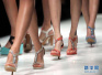 高跟鞋很美 拇外翻很痛 如何来预防?