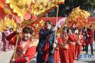 外国友人体验中国新年民俗