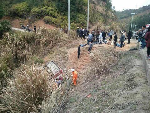 幸运飞艇投注app:江西客车事故已致11人死亡 涉事企业法人代表被依法控制