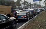 旅客海口遇堵车已滞留4天:只在三亚玩了3天