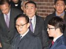 李明博或面临至多45年监禁!77岁的他该不该抓?韩国各党派炸锅了