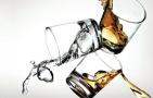 爱喝酒的人容易口臭 如何自查有没有口臭?