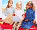 新款黑人芭比娃娃发型惹争议 这是做了一半没做完吗?