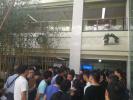 百万人才涌津门第3天:办事大厅挤满年轻人的期待和无奈