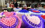"""港媒看中国""""花都"""":闭塞乡村变身亚洲最大花卉市场"""