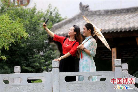 郑州城郊藏座江南庭院 小桥流水如诗画
