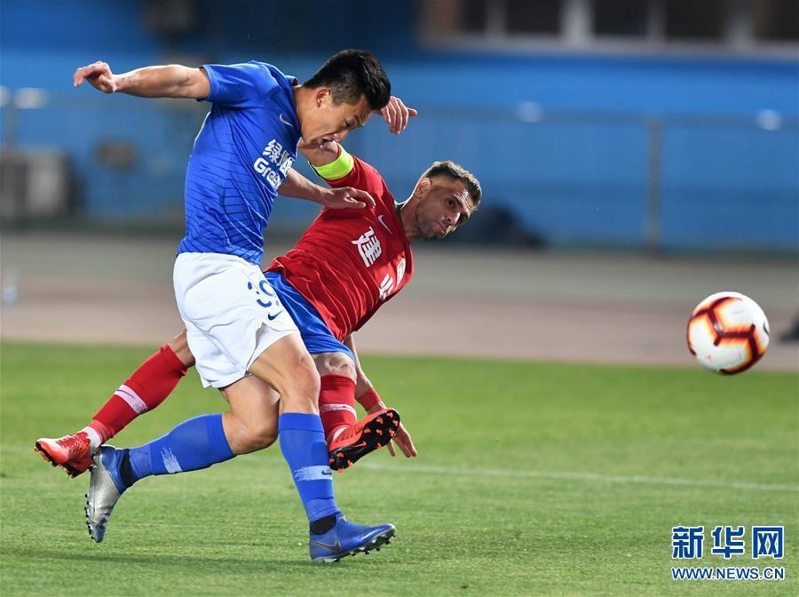 (体育)(22)足球——中超:上海绿地申花胜河南建业