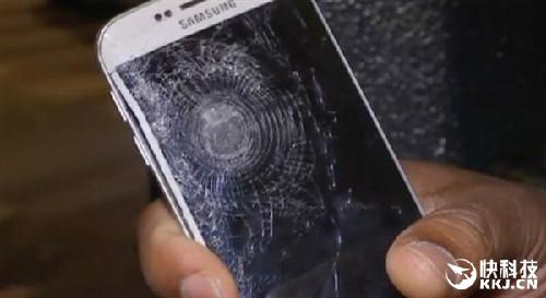 腾博会国际娱乐男子靠手机挡子弹 三星GalaxyS6立功
