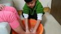 给妈妈洗洗脚,金水区金燕小学为学生定制节日作业