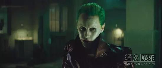 围观!据说他演的小丑比希斯·莱杰的更变态