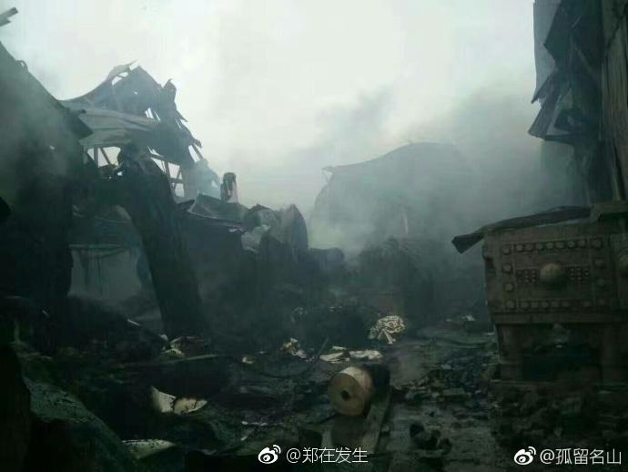 郑州一工业区突发大火 消防战士救援近30小时