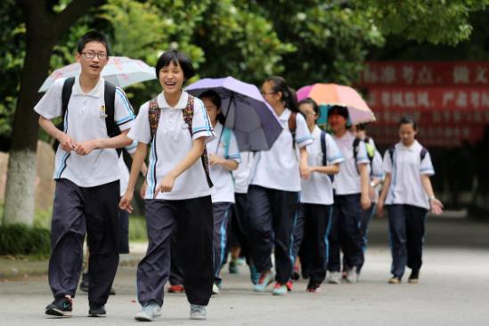 6月17日,18日杭州沟通首批高中高中中考v高中逾1.2万人重点的计划议论文图片