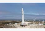 """SpaceX发射卫星互联网测试卫星 马斯克要搭建的""""星链""""长啥样?"""