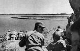 打过长江去,解放全中国!69年前的今天解放军百万雄师过大江 场面气吞山河