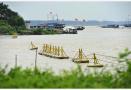 江苏洪泽湖水位上涨 加大泄洪流量