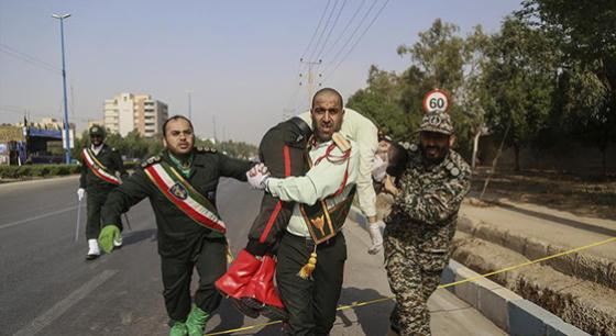 伊朗纪念两伊战争爆发38周年阅兵仪式遭袭