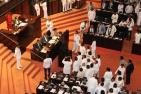 斯里兰卡议员扭打乱成一团