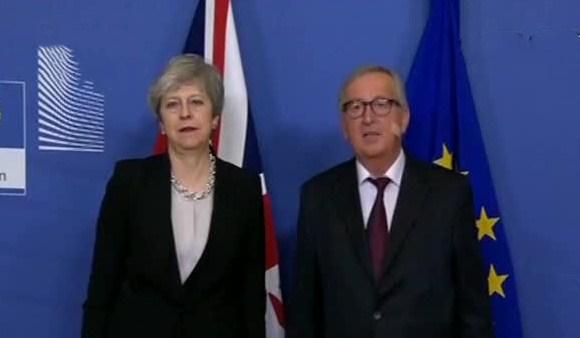 """关注英国""""脱欧"""" 容克对英国""""有协议脱欧""""不乐观"""