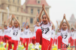 秦?#23454;海?#28023;港区中小学生春季田径运动会开幕