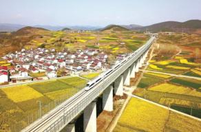 2019:镜头里的中国铁路
