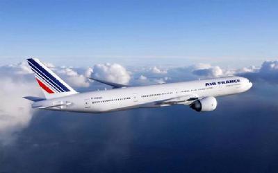 波音777是迄今世界上最大的双发远程宽体客机,也是波音公司最为成功的