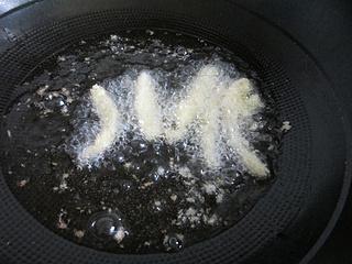 孩子们的香酥小零食——酥脆杏鲍菇的做法步骤:4