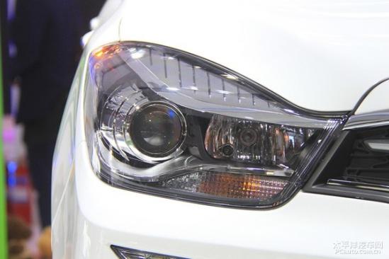 17上海车展 新款海马福美来7座版发布