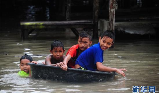 中国 南部/泰国南部强降雨导致洪水泛滥