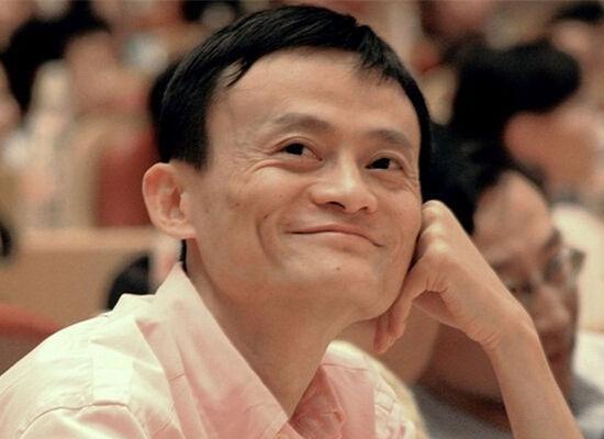马云/智通财经1月10日报道,阿里巴巴创办人马云会见美国候任总统...