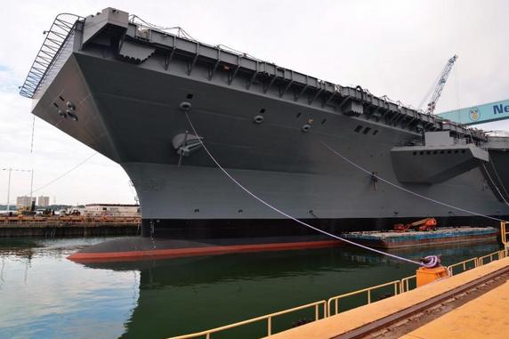 """美国海军第一艘""""福特""""级核动力航母预计延迟交付"""