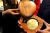 奥运会的金牌就都是纯金打造的么?并不是这个样子的