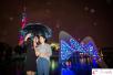 冷空气终于到货了!外籍游客:广州下起雨来更浪漫