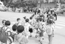 山东省实验中学本校区错时放学 缓解交通拥堵又能晚接孩子