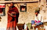 老照片:1985年外国人拍摄的西藏拉萨街景