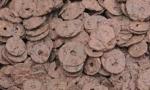 打地基发现古钱币