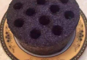 小伙做蜂窝煤蛋糕月入三万 被誉为煤球状元