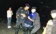 女子要跳江被杭州民警拦下,称儿子嫌她不会带孙子让她回老家