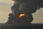 """""""桑吉""""轮沉没:残油仍在燃烧溢油情况严重"""