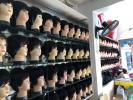 肿瘤医院旁小小假发店,为化疗病人戴上生命的尊严