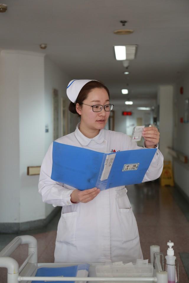 春市护士_护士长蔡崔春