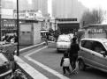 """沈阳航空航天大学站地铁口""""黑车""""司机竟公开进站揽客"""