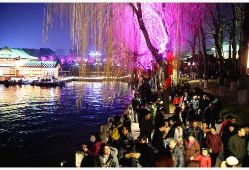 """济南:""""一湖一环""""景观照明引发市民新期待"""