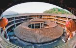 福建龙岩永定区:千年土楼 活态保护