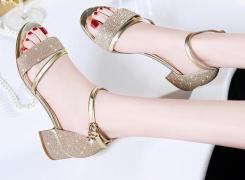 哪些凉鞋舒适又显瘦 夏季鞋子搭配攻略