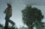 苏州在暴雨中率先入梅 南京还得再等等!