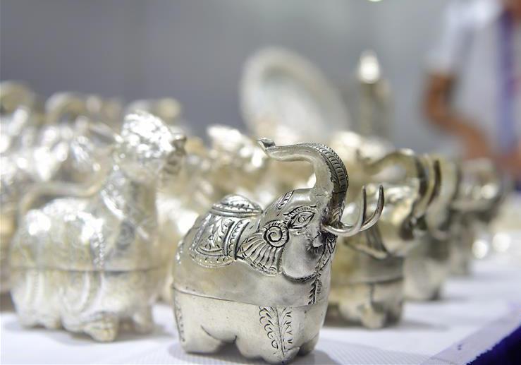第十五届中国-东盟博览会:萌态可掬的手工艺品备受青睐