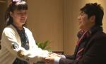 杭州13岁视障女孩苦练钢琴过七级,郎朗被感动与她见面